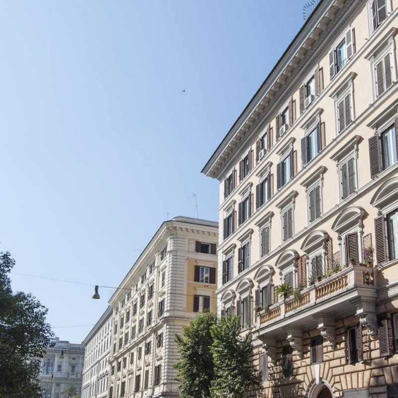 Roma Prati  Ampia metratura a pochi passi da Piazza Cavour e dalla Basilica di San Pietro.