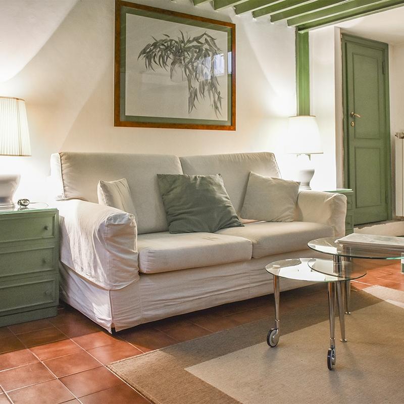 Roma Prati Via Borgo Vitorio pratico loft nei pressi di Castel Sant'Angelo