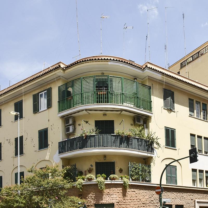 Roma Prati Via della Giuliana quadrilocale ristrutturato