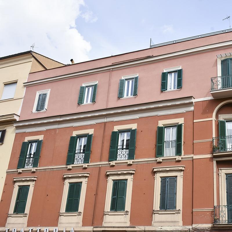 Roma, Quartiere Aurelio, in Via delle Fornaci, un trilocale in locazione adiacente Piazza San Pietro.